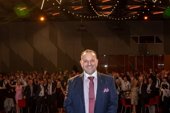 CEO Serge Oppedisano celebrating at Wurth Australia's Annual Awards Dinner